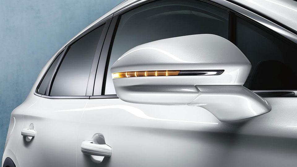 2015 Lincoln MKC pedastal mirror